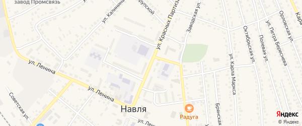 Улица Красных Партизан на карте поселка Навли с номерами домов