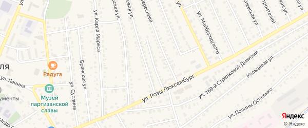 Улица Вали Калининой на карте поселка Навли с номерами домов