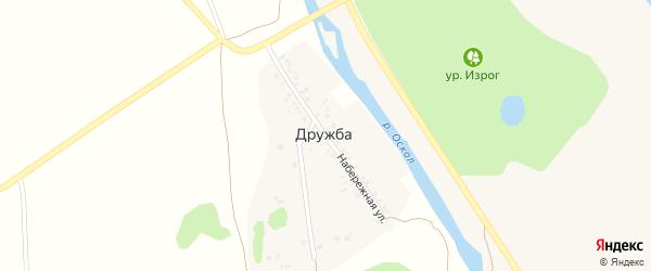Набережная улица на карте поселка Дружбы с номерами домов