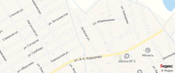Зеленая улица на карте села Энгель-юрт с номерами домов