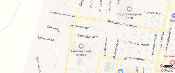Молодежная улица на карте села Енотаевки с номерами домов