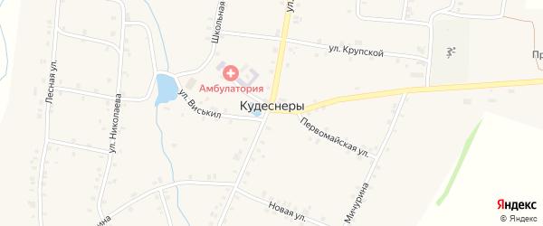 Школьный переулок на карте деревни Кудеснер с номерами домов