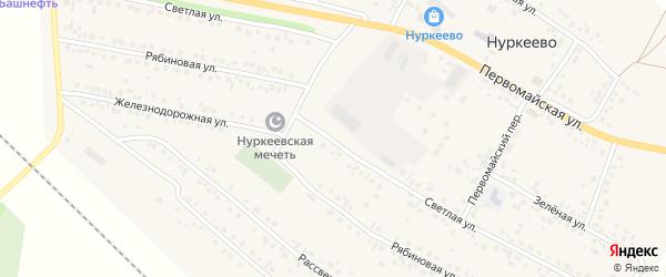 Светлая улица на карте деревни Нуркеево с номерами домов