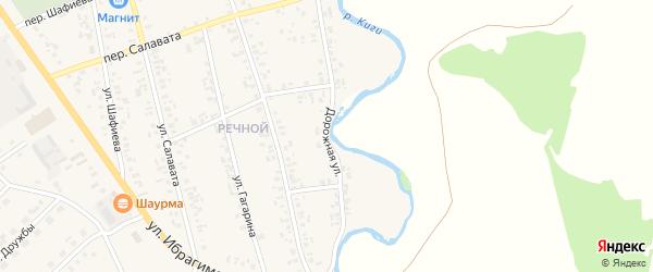 Дорожная улица на карте села Верхние Киги с номерами домов