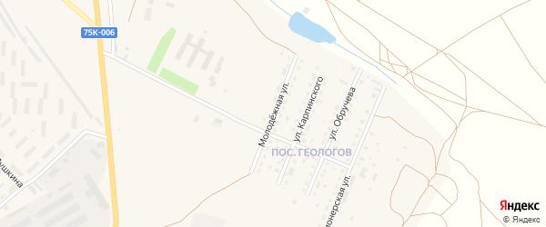 Молодежная улица на карте Верхнеуральска с номерами домов