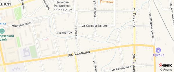 Учебная улица на карте Верхнего Уфалея с номерами домов