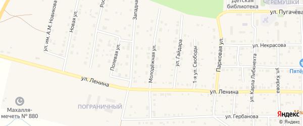 Молодежная улица на карте поселка Бредов с номерами домов