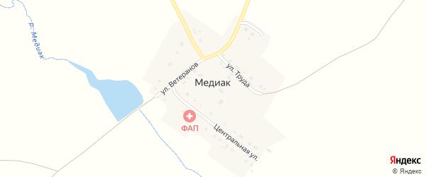 Центральная улица на карте деревни Медиака с номерами домов