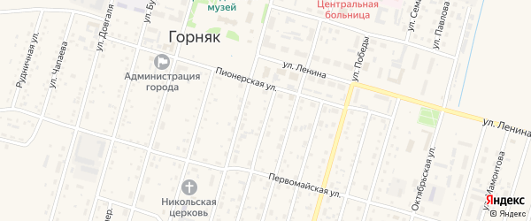 Короткий переулок на карте Горняка с номерами домов