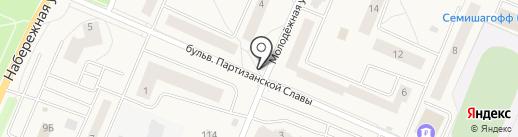 Киоск по продаже фруктов и овощей на карте Кировска
