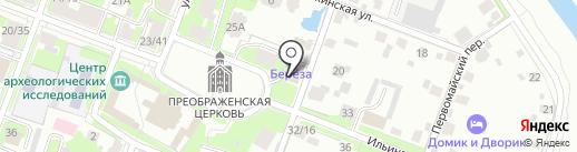 Турист на карте Великого Новгорода