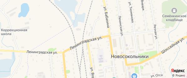 Ленинградская улица на карте Новосокольников с номерами домов