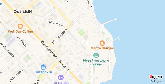 Площадь Свободы в Валдае с номерами домов на карте. Спутник и схема онлайн