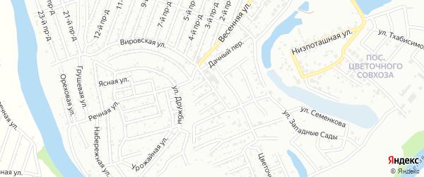Дорожная улица на карте Весны с номерами домов