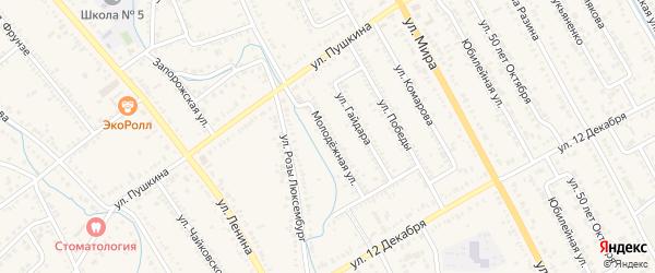 Молодежная улица на карте Курганинска с номерами домов