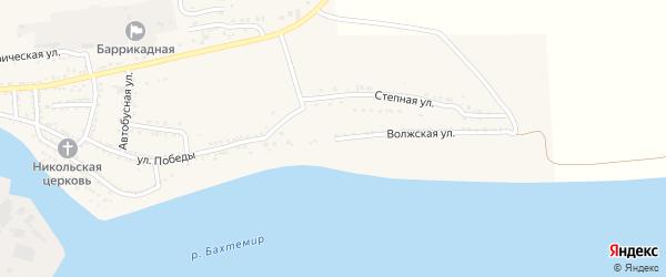 Волжская улица на карте поселка Красные Баррикады Астраханской области с номерами домов