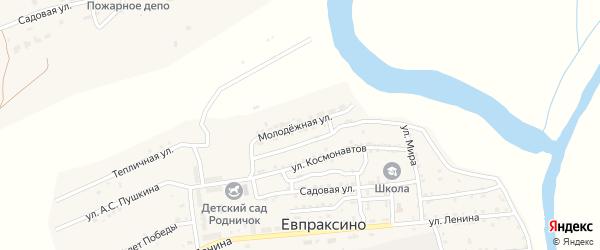 Молодежная улица на карте села Евпраксино Астраханской области с номерами домов