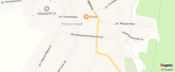 Интернациональная улица на карте поселка Рудничного с номерами домов