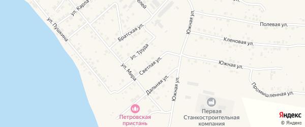 Светлая улица на карте Петровского поселка с номерами домов