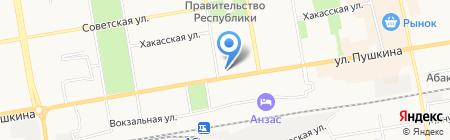 Турист на карте Абакана